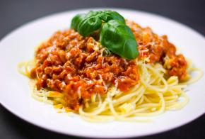 Restaurante Refúgio Grill estará aberto nesta segunda-feira (03)
