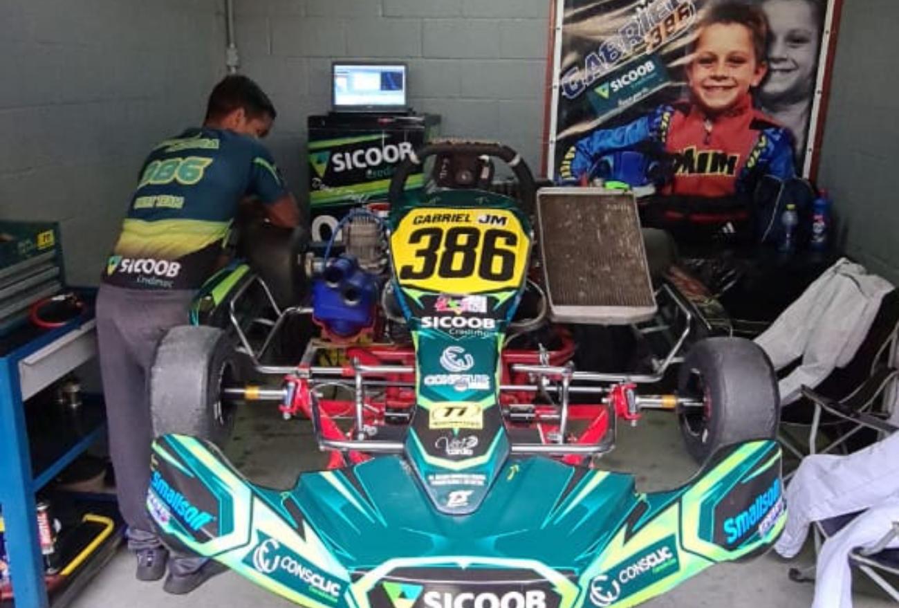 Piloto xanxerense Gabriel Moura busca mais um título paranaense de kart, em Curitiba