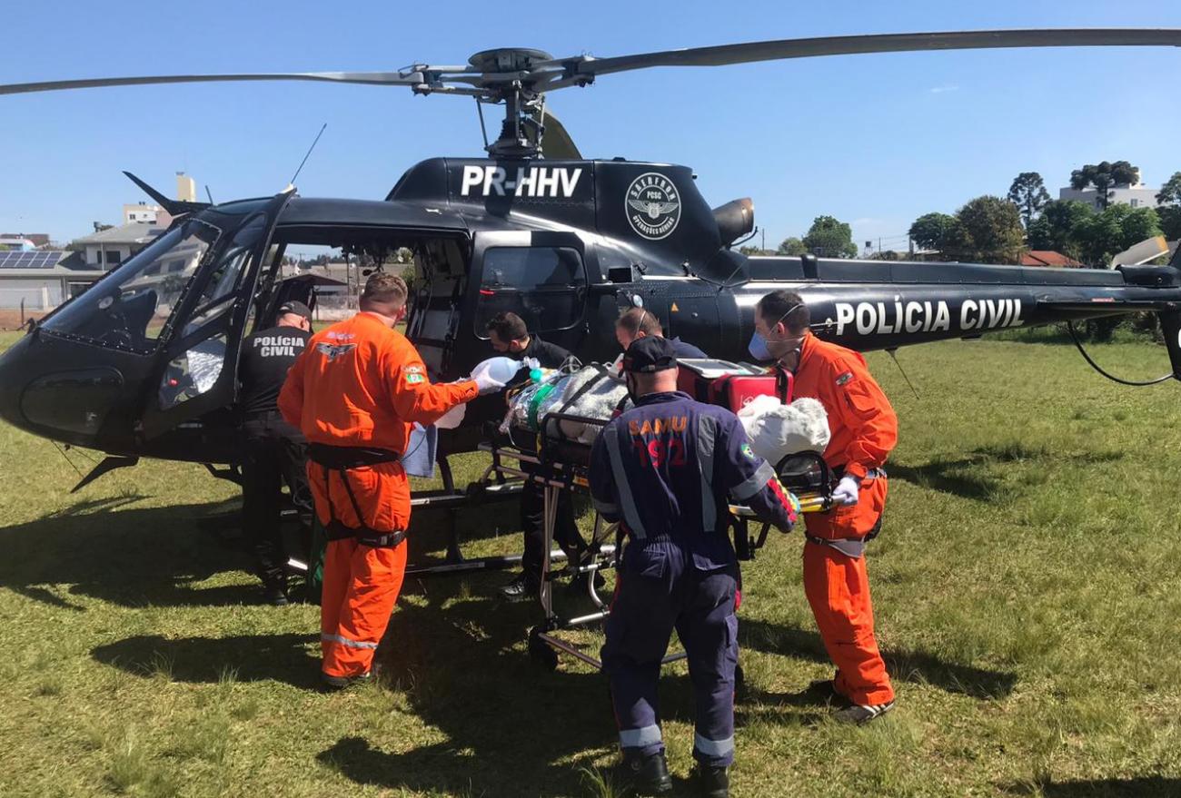Vídeo: Motociclista, vítima de acidente, é transferido para hospital de Chapecó