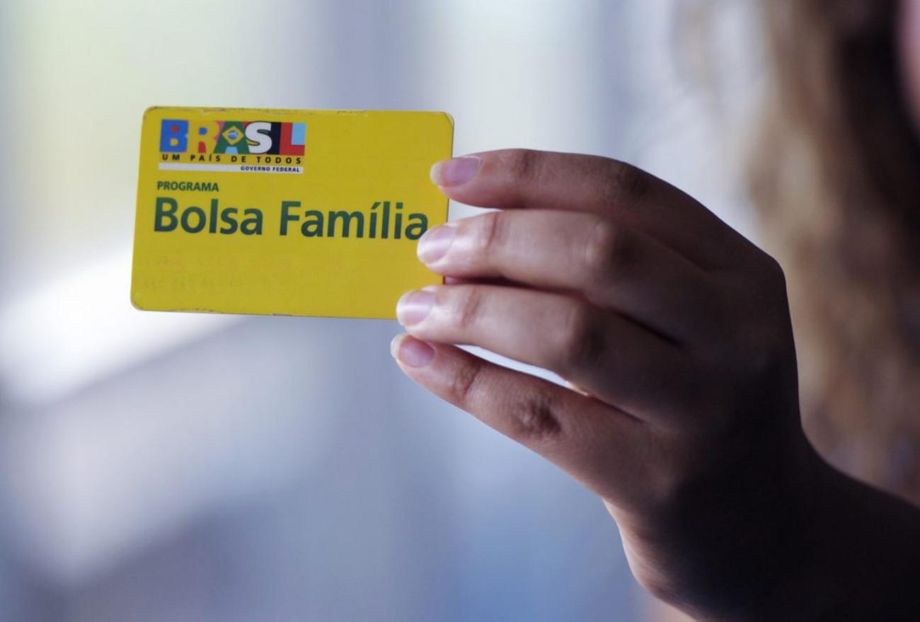 Beneficiários do Bolsa Família recebem parcela do Auxílio Emergencial nesta terça-feira (20)