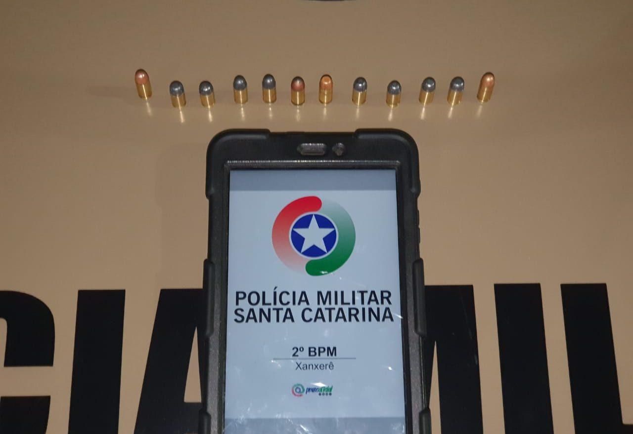Homem é detido em posse de munições