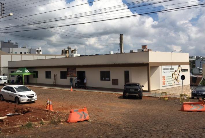 Dois técnicos do Ministério da Saúde visitam hospital e ambulatório de Campanha