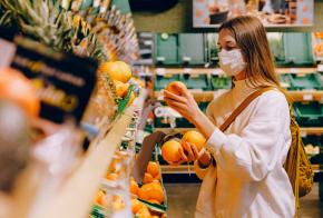 Supermercados devem estar fechados no sábado (27)