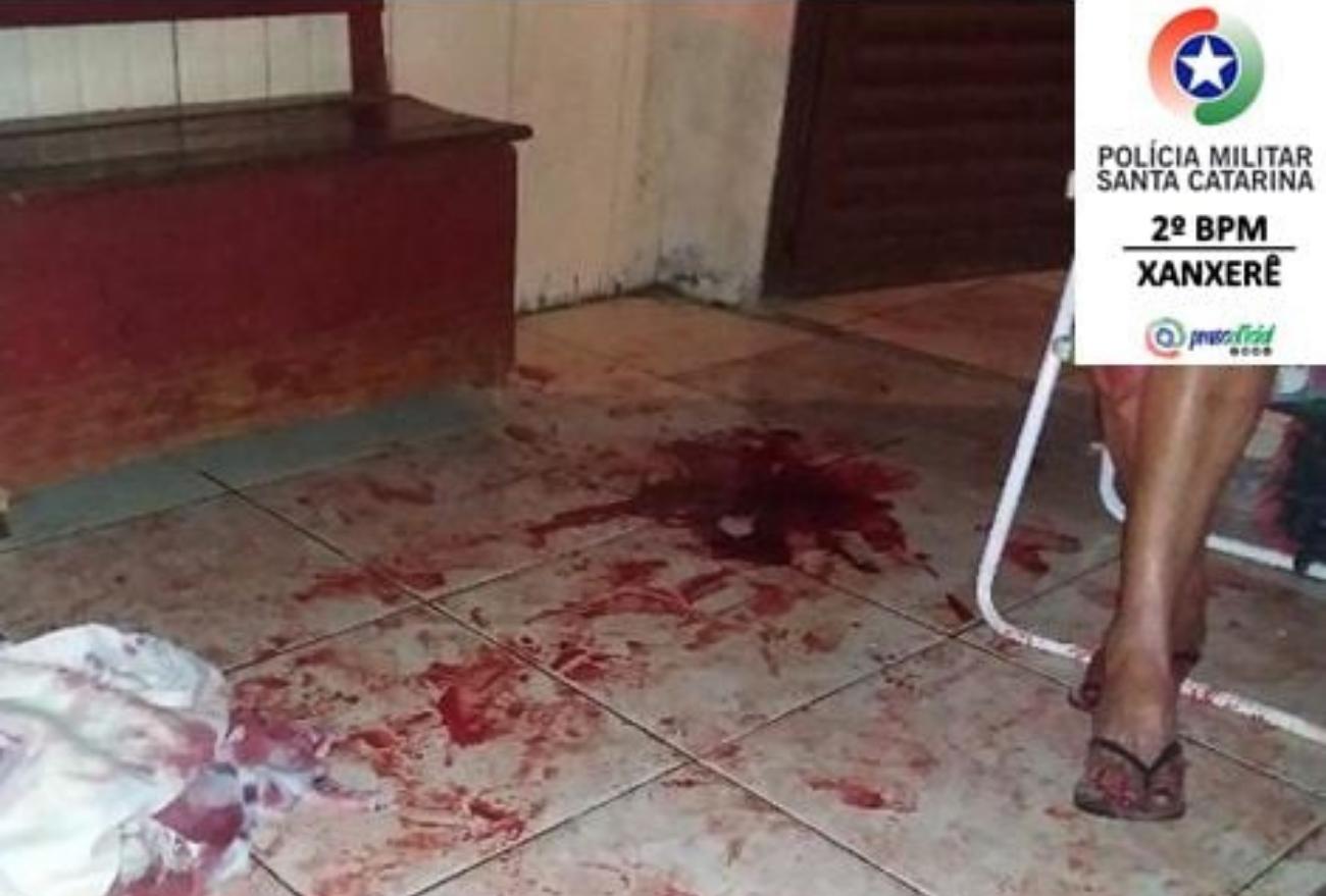 Homem é preso após agredir seis pessoas com facão em Xanxerê