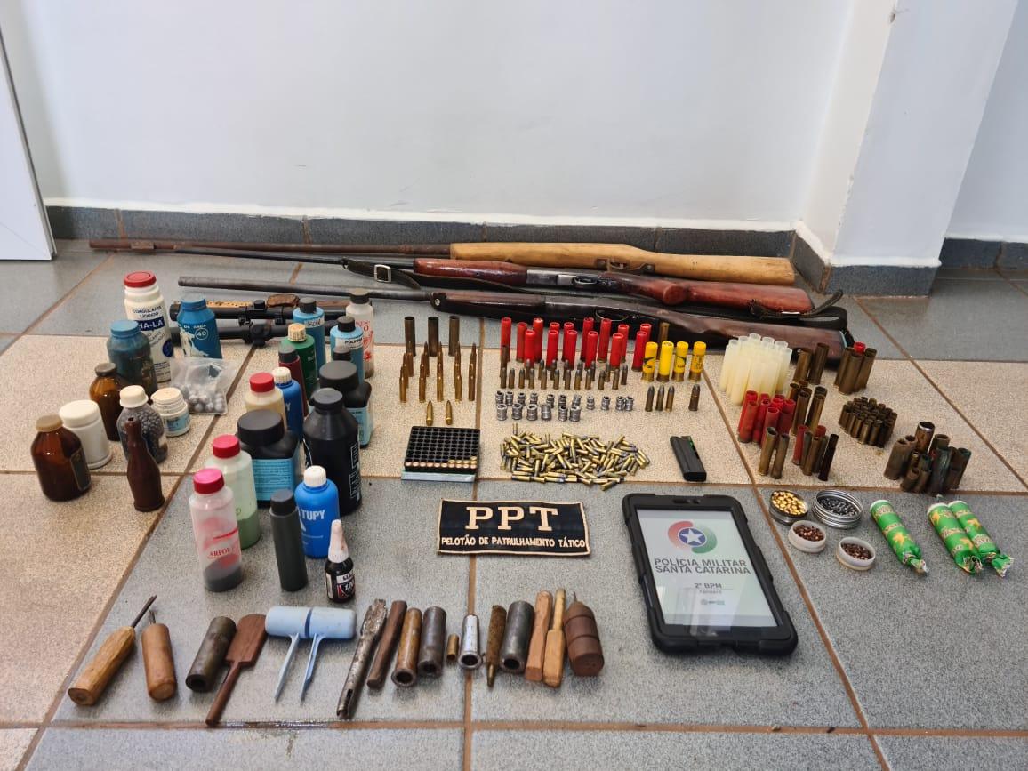 Homem é preso com armas e munições no interior de Xanxerê
