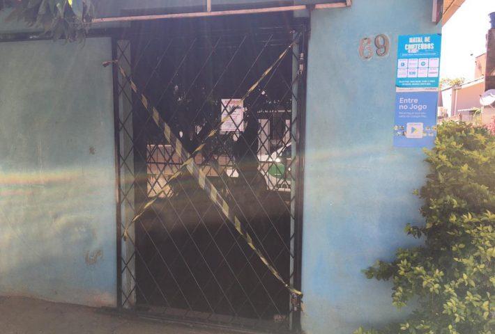 Mercado é fechado após dono em isolamento ser flagrado atendendo