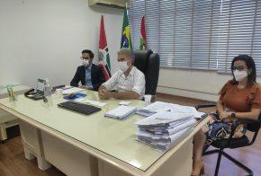 Prefeito de Xanxerê participa de seminário online da Fecam sobre vacinação