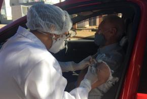 Idosos de 65 anos serão vacinados neste sábado (10), em Xanxerê