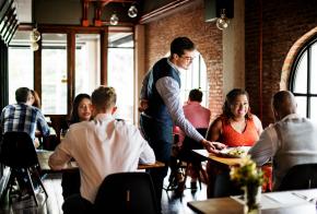 Governo de SC recebe reivindicações do setor de bares e restaurantes