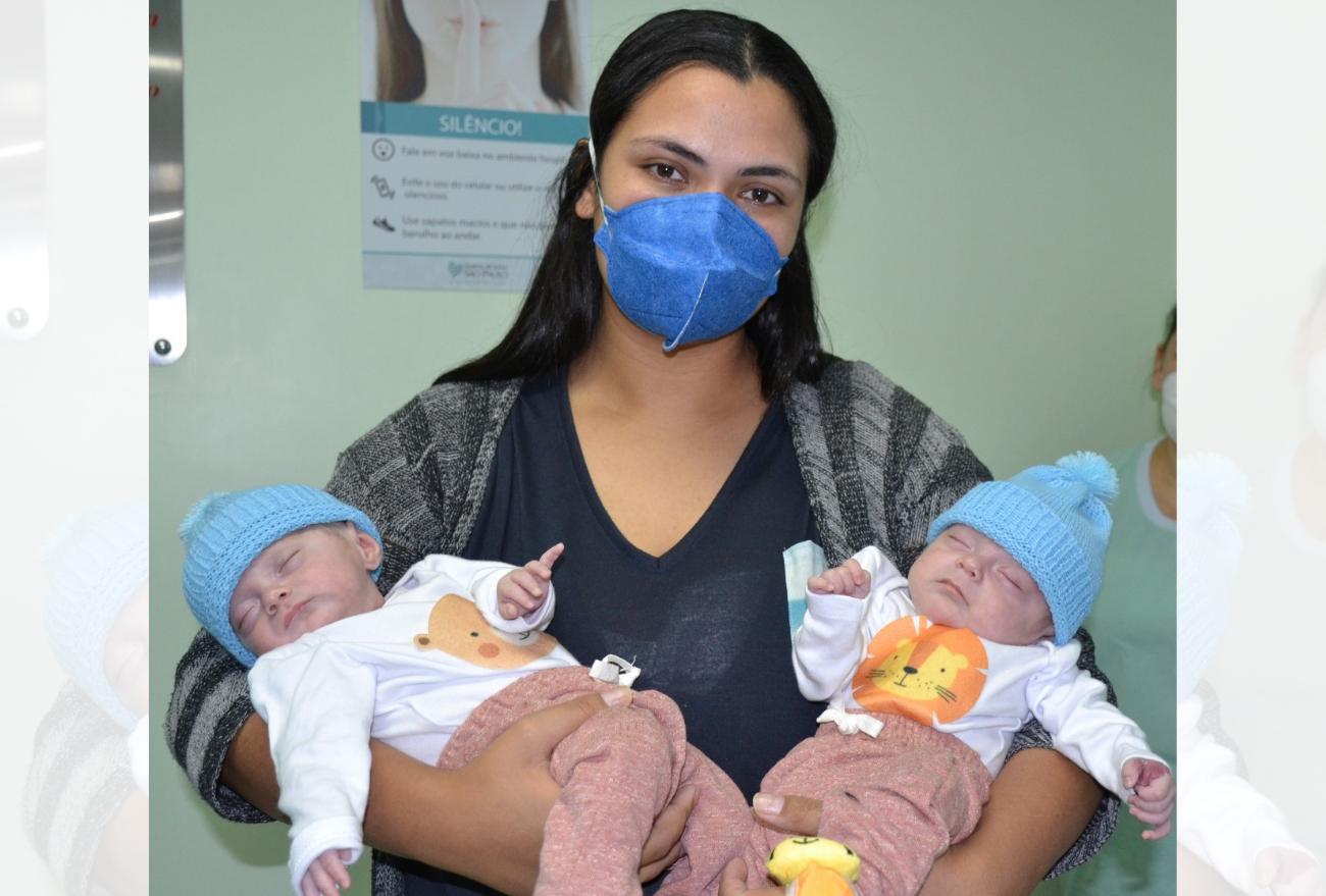 Gêmeos que nasceram prematuros recebem alta do Hospital Regional São Paulo