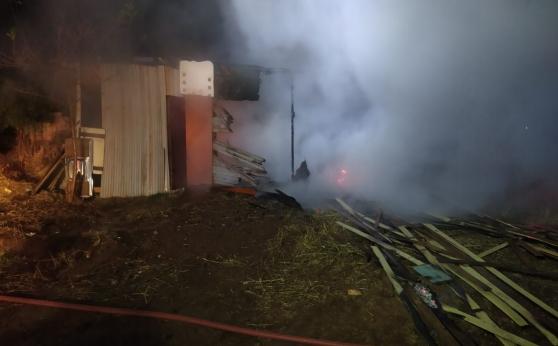 Incêndio destrói barraco de lona em Abelardo Luz