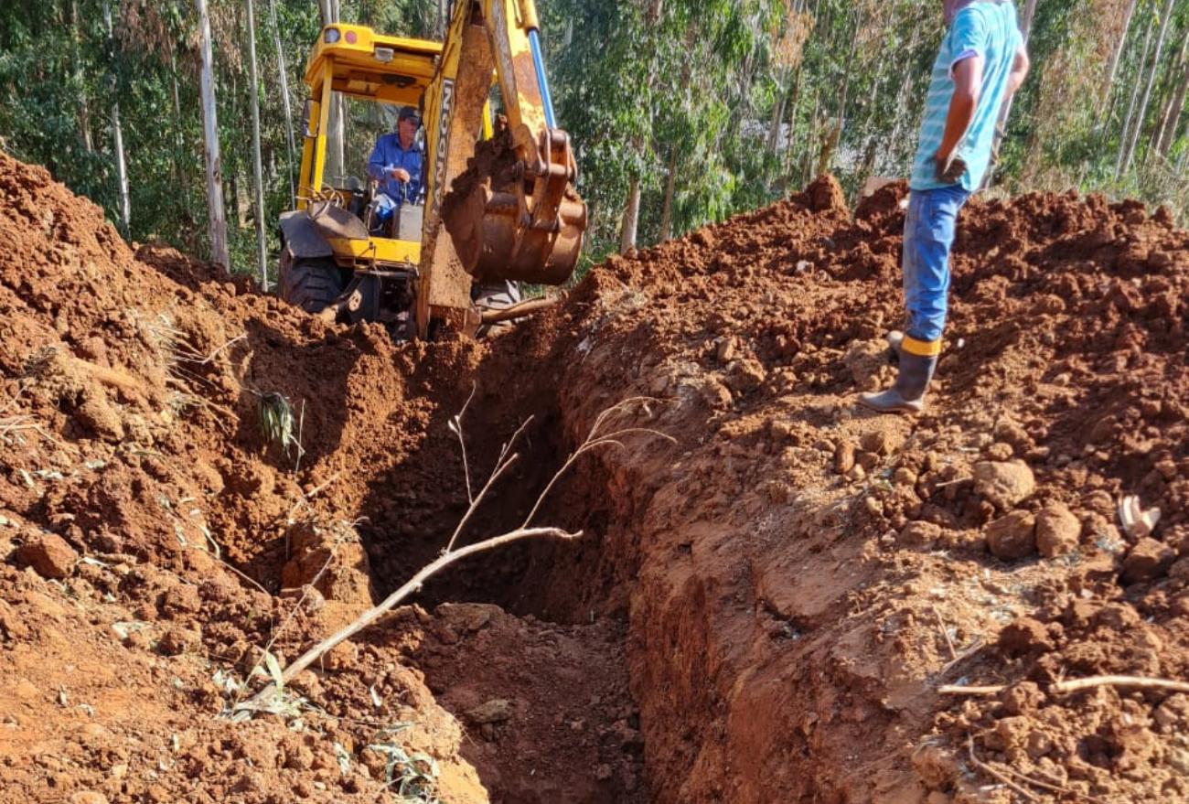 Homem fica soterrado após ser atingido por tubulação de água em Xanxerê