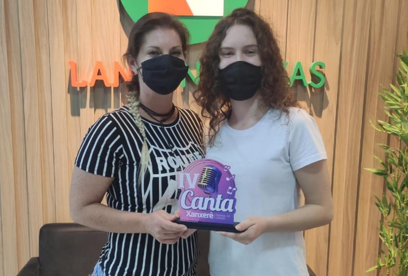 Vídeo: vencedoras do IV Canta Xanxerê visitam redação do Lance Notícias