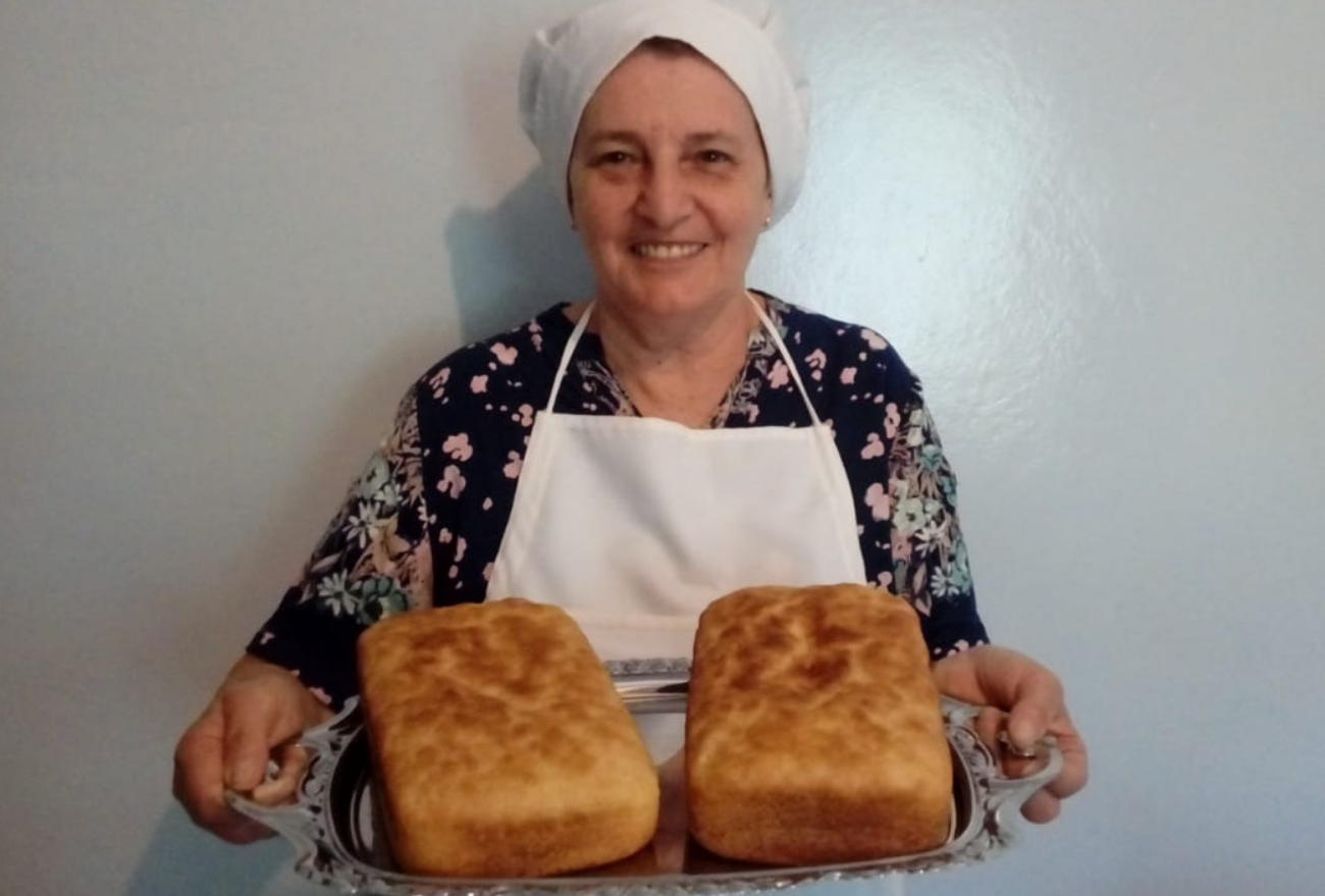 Na Capital do Milho, idosa de 73 anos faz sucesso com a produção de broas