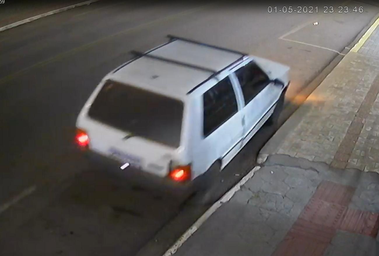 Mulheres são flagradas furtando veículo no centro de Ponte Serrada