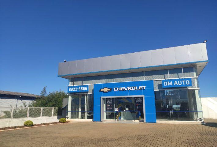 DM Auto completa um ano em Xanxerê oferecendo a melhor experiência de emoção sobre rodas
