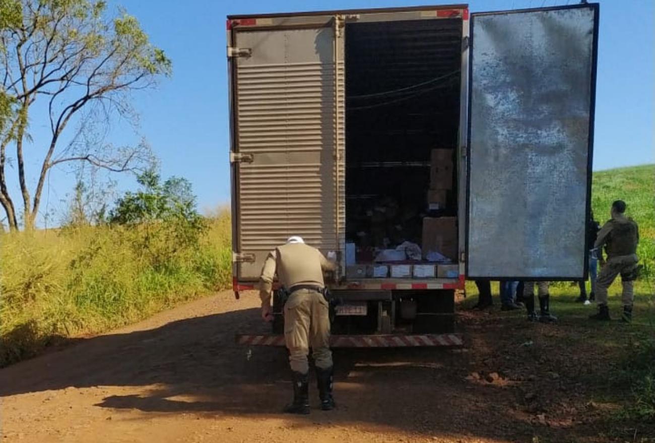Quadrilha assalta caminhão que transportava armas, em Abelardo Luz