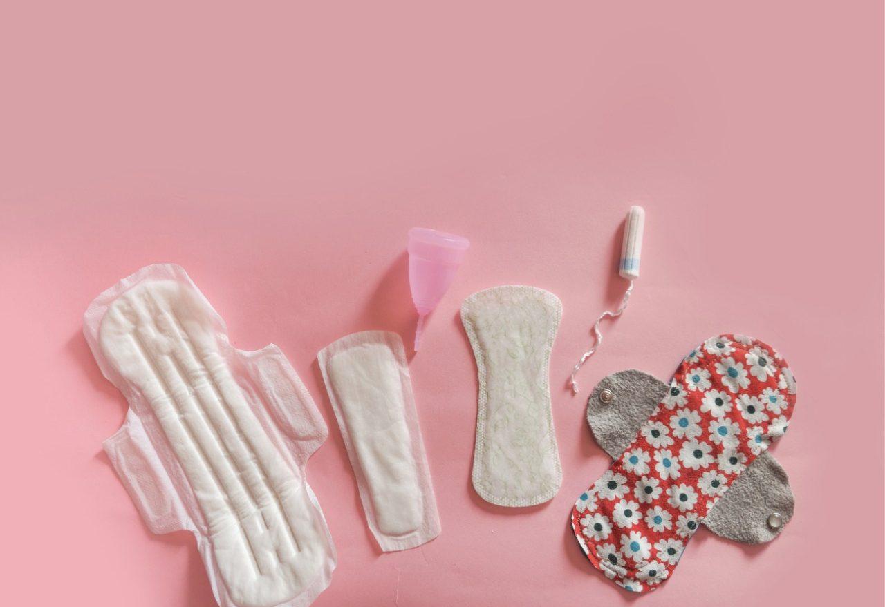 Assistente social fala sobre projeto que irá distribuir protetores menstruais nas escolas, em Xanxerê