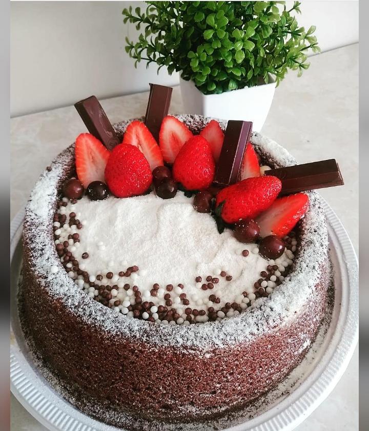 Para poder ficar com o filho em casa, xanxerense empreende com a produção de bolos