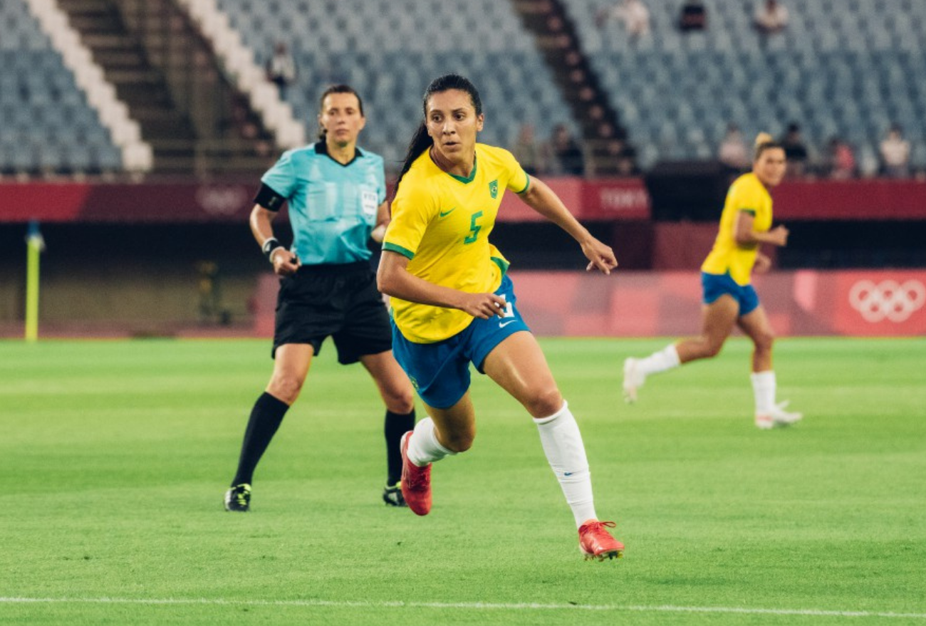 Júlia Bianchi estreia nas Olimpíadas com goleada e admite ansiedade pelo momento