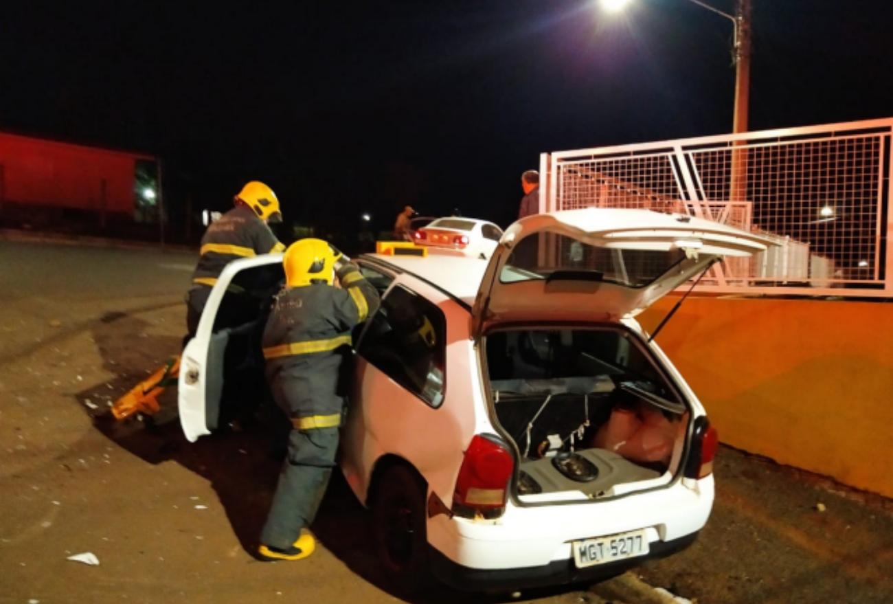 Condutora de carro fica ferida após colisão, em Abelardo Luz