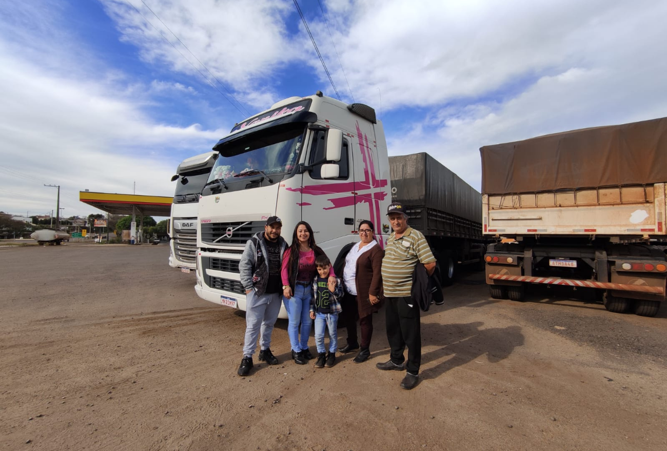 TV Lance: família toda de caminhoneiros viaja pelas estradas do Brasil