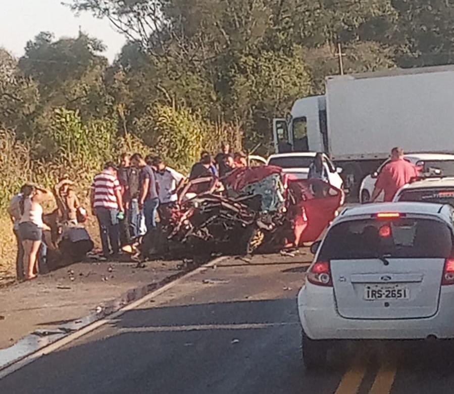 Grave acidente deixa três pessoas mortas na BR-282, em Cordilheira Alta