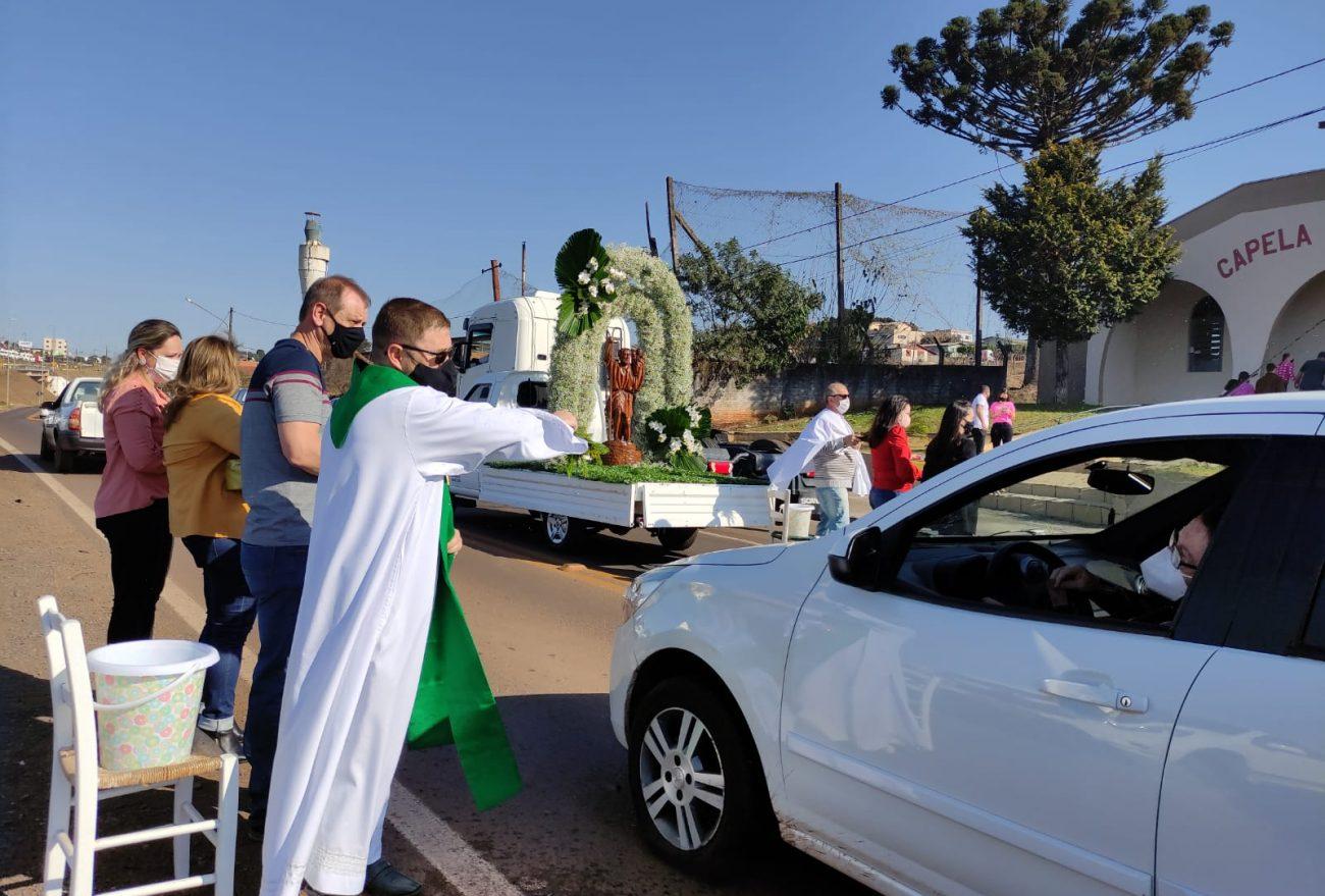 Dia de São Cristóvão é celebrado com benção dos veículos em Xanxerê