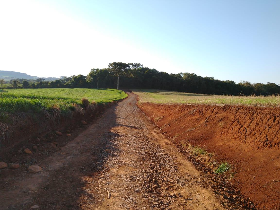 Prefeitura de Xanxerê mantém quatro equipes realizando melhorias nas estradas do interior