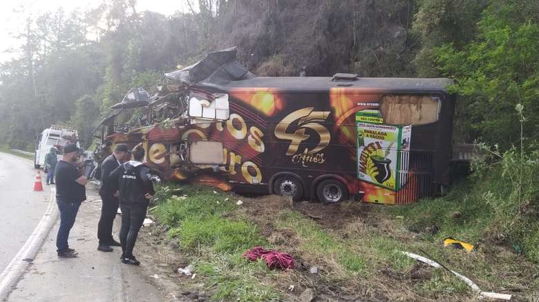Vocalista da banda Garotos de Ouro morre em acidente na BR 282