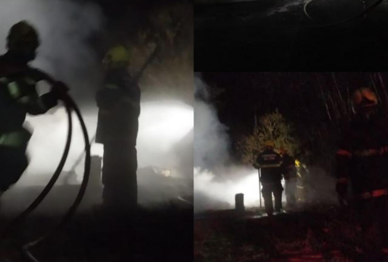 Bombeiros combatem incêndio em residência na noite dessa sexta-feira (10)