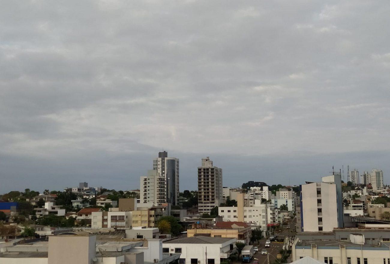 Fim de semana inicia com previsão de chuva, em Xanxerê