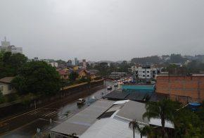 Fim de semana inicia chuvoso na Capital do Milho, confira a previsão do tempo: